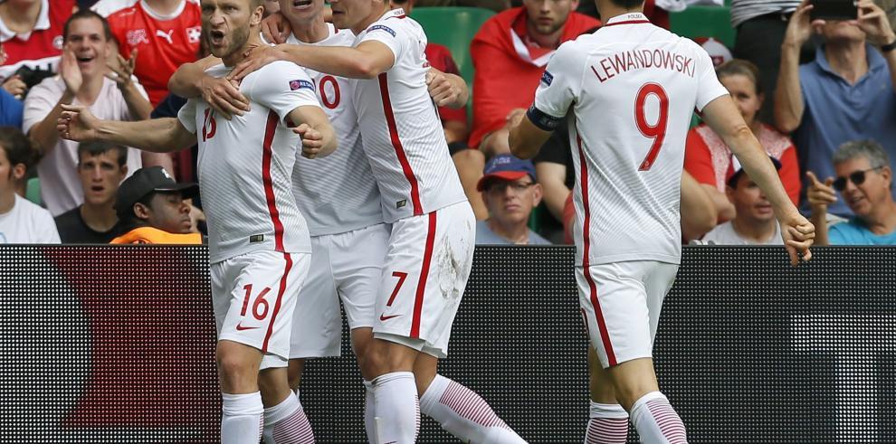 Polonia, primer equipo en cuartos de final tras ganar en los penaltis