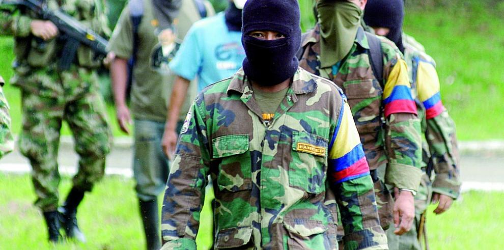Mueren dos policías en un ataque de guerrilla EPL en Colombia