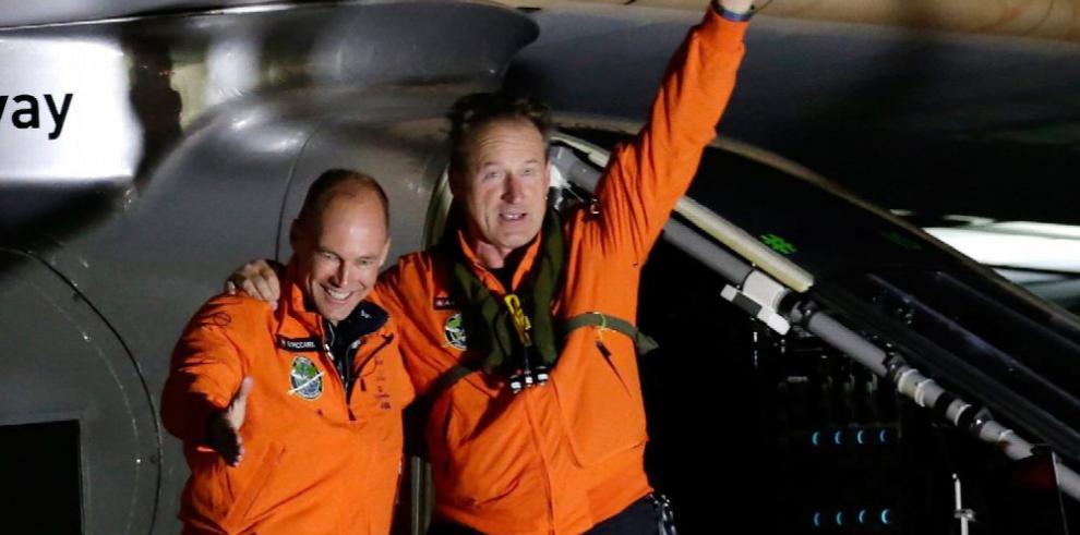 Avión solar avanza y sobrevuela Nueva York