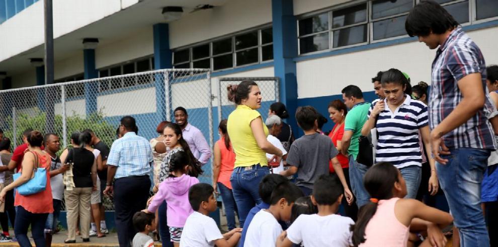 La aglomeración en escuelas preocupa a los educadores