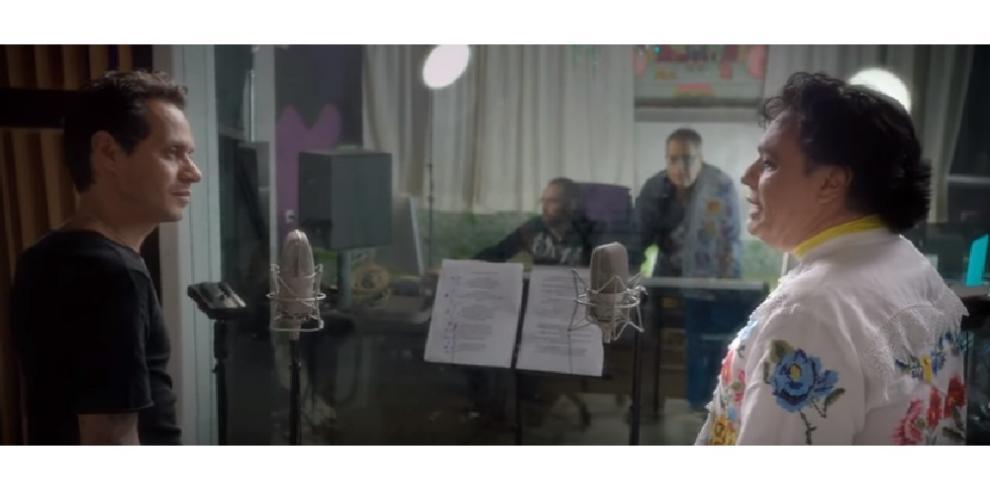 En pleno concierto Marc Anthony lloró durante homenaje a Juan Gabriel