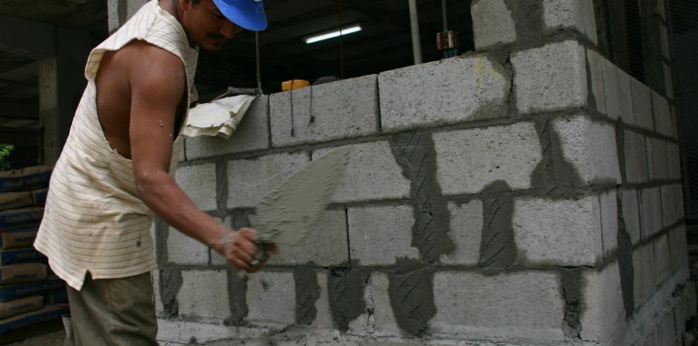 Suben los precios de bloques y el cemento