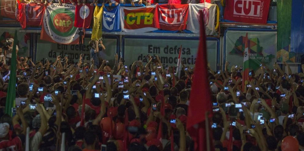 Juez de la corte de Brasil suspende designación de Lula como ministro