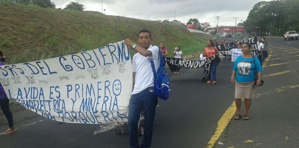 Colonenses protestan por contaminación ambiental