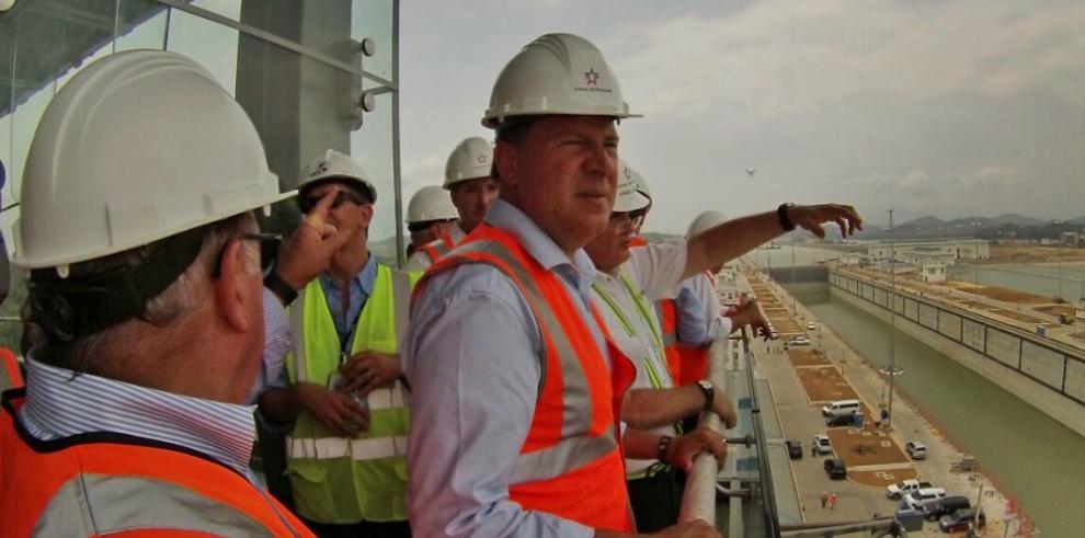 Varela recorre la ampliación del Canal de Panamá