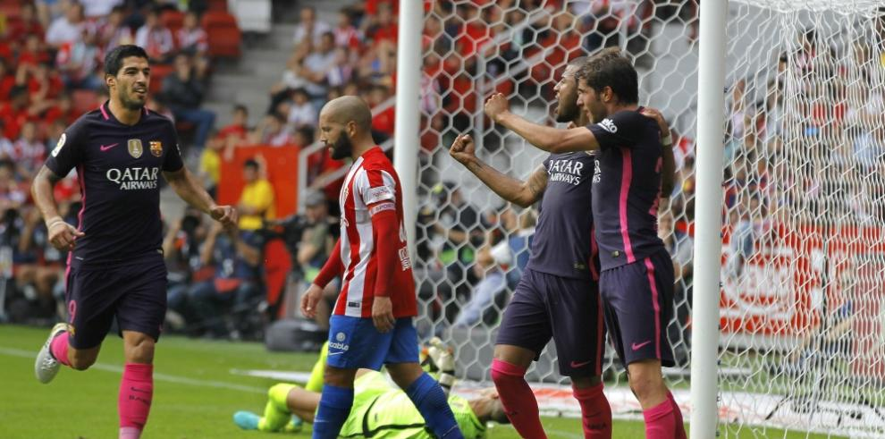 Barcelona golea sin demasiado esfuerzo a Sporting que acaba desfondado