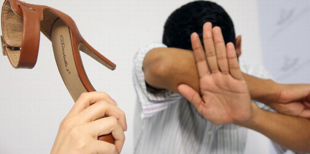 Los hombres se convierten en denunciantes de maltrato