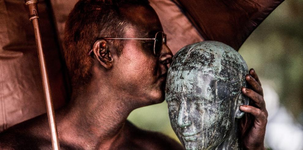 Mimos enseñan la importancia de besar en el día mundial del beso