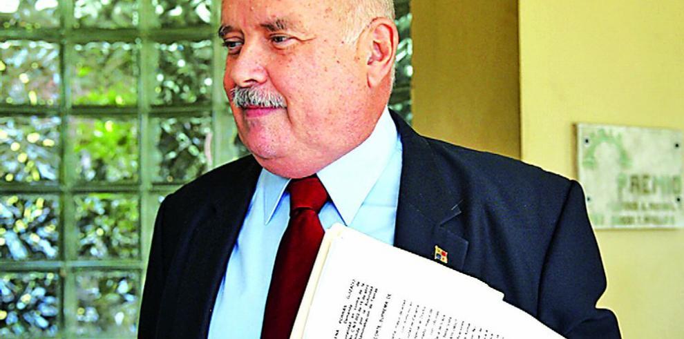 Bernal, al frente de comisión para cambio constitucional