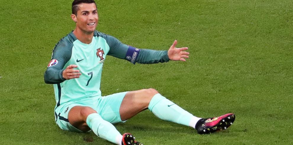 Ronaldo iguala a Platini y bate dos récords más