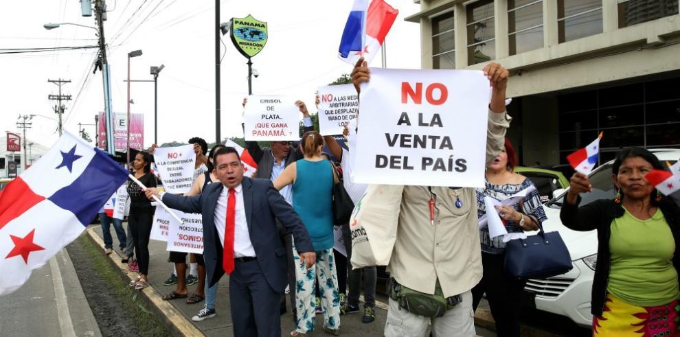 Diferentes gremios protestan contra política migratoria en Panamá