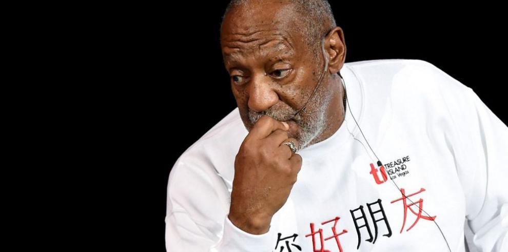 Cosby se libra de dos acusaciones