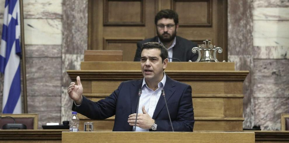 Tsipras redobla fuerzas para cerrar rescate