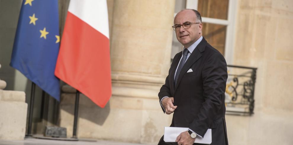 Hollande nombra primer ministro a Bernard Cazeneuve