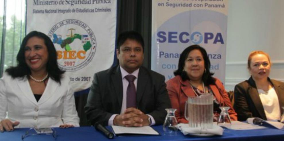 Ministro de Seguridad realiza depuración en el programa Barrios Seguros