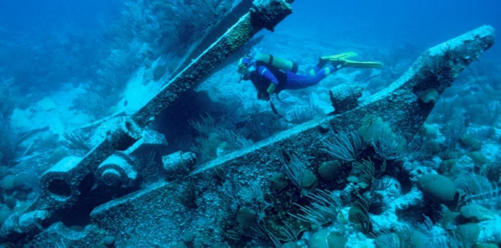 Panamá considera crear un instituto para proteger su patrimonio submarino