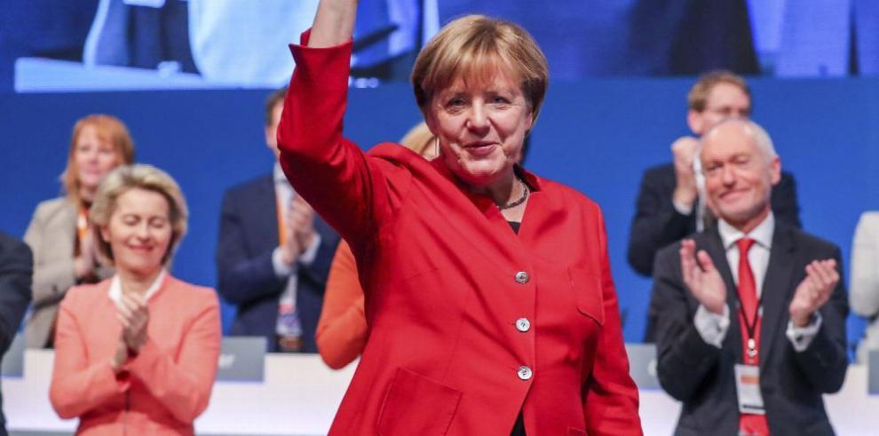 Merkel es reelegida en congreso del CDU
