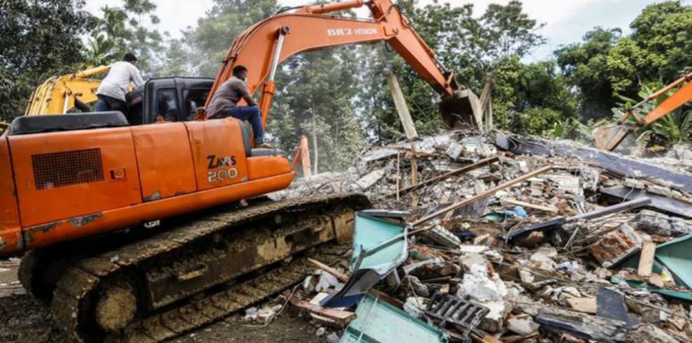 Al menos 92 muertos por el seísmo de magnitud 6,5 en Indonesia
