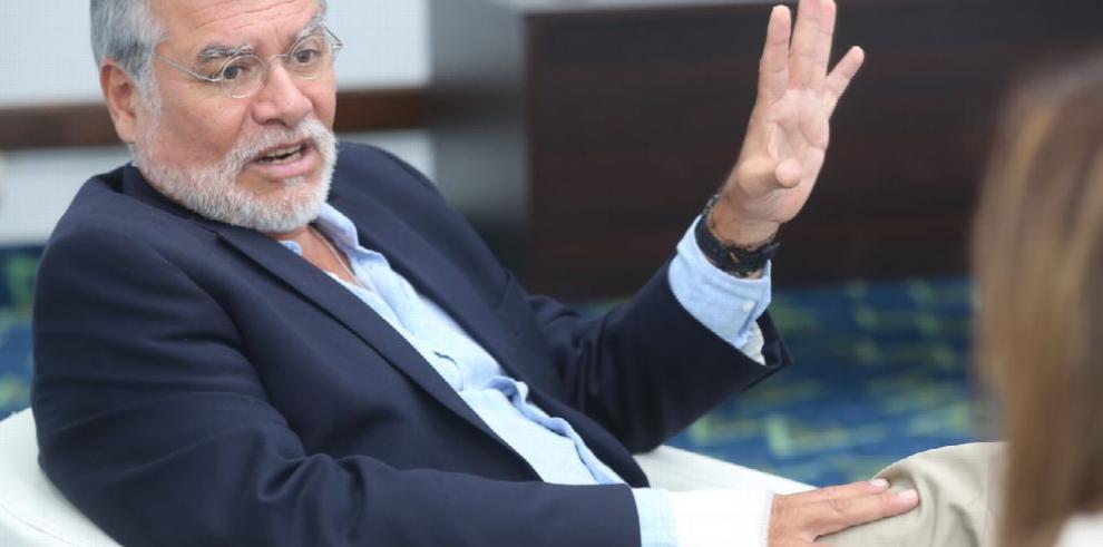 'Los casos contra Martinelli están entrampados en la Corte'