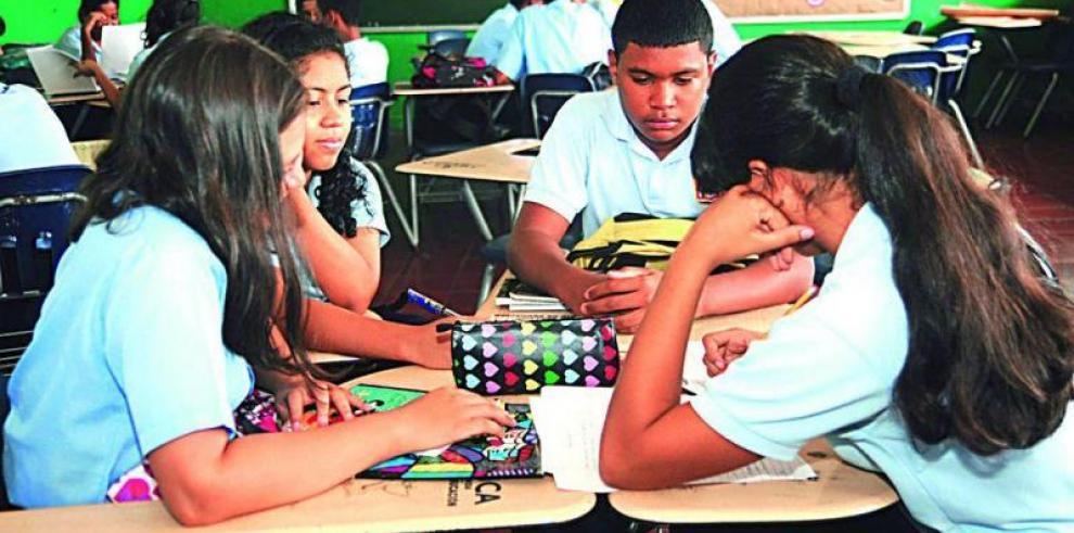 La tecnología y la docencia inciden en fracasos escolares