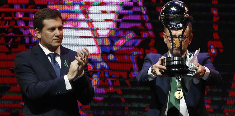 ElChapecoense recibióel trofeo de campeón de la Copa Sudamericana