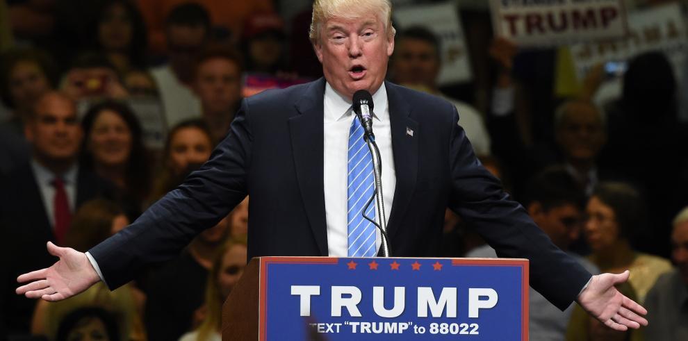 Trump denuncia en California la inmigración ilegal en EEUU