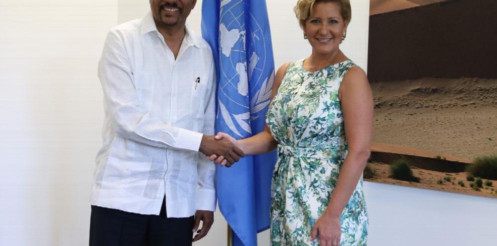Lorena Castillo se reúne con ONUSIDA