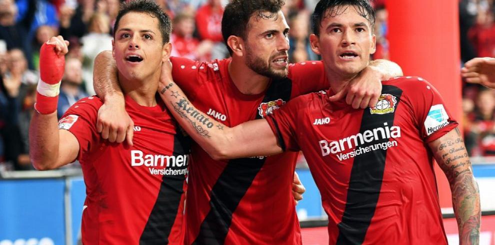 'Chicharito' brilla en el triunfo del Bayern Leverkusen