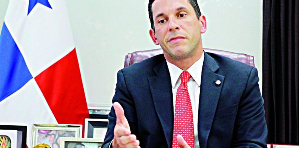 Representantes del Foro Global de la OCDE, en Panamá