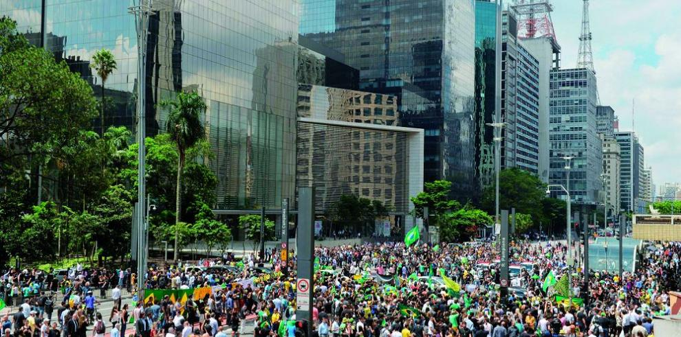 Brasil pierde miles de empleos formales