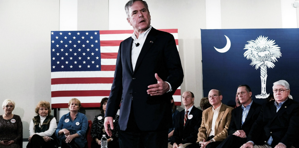Bush retira su candidatura presidencial