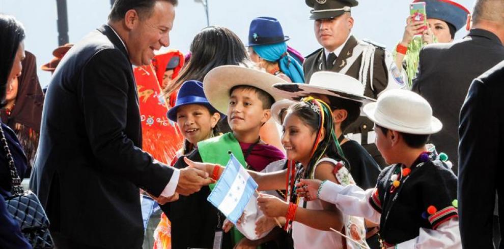 Varela aboga por trato digno y asistencia humanitaria a migrantes