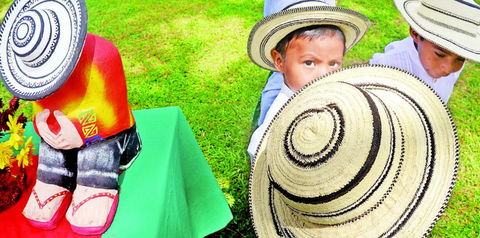 Elaboración del sombrero pinta'o, a la Unesco