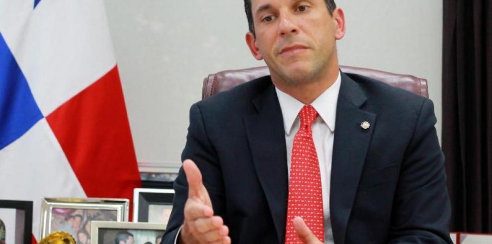Varela viaja a Cuba para participar de laceremonia de Estado