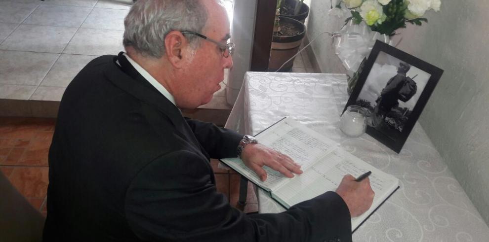 Ayú Prado expresa condolencias por fallecimiento de Fidel Castro