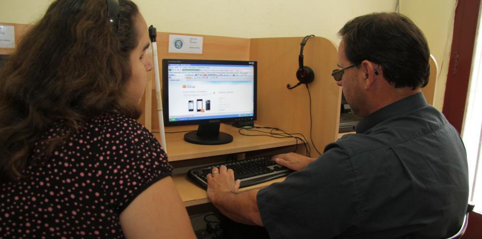 La Unesco premia a la ONG argentina Tiflonexos por su labor para invidentes