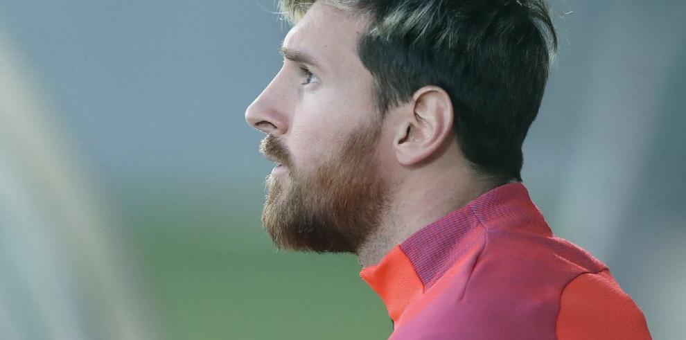 Lionel Messi se casará en el 2017 con Antonella