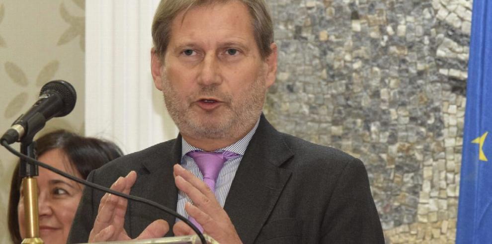 UE ve avances políticos y económicos en Ucrania