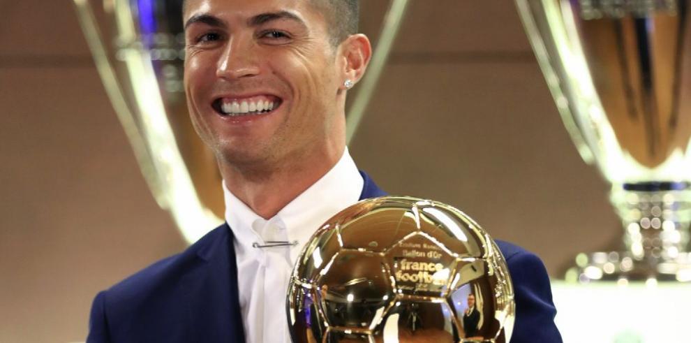 Ancelotti ve a Ronaldo ganando más premios