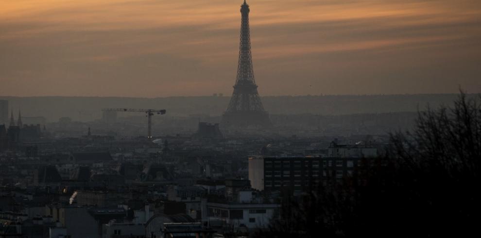 La Torre Eiffel cierra por una huelga de personal
