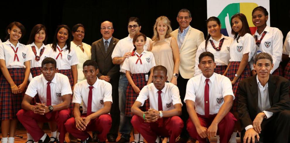 Grupo Wisa entrega obras que beneficia a estudiantes