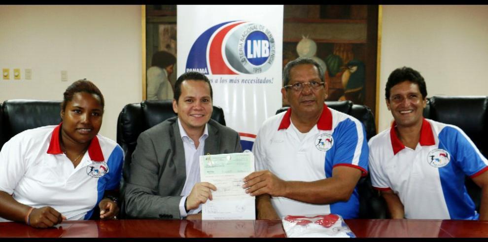 Lotería apoya a Club 'Rumbo al Mundial de Fútbol'