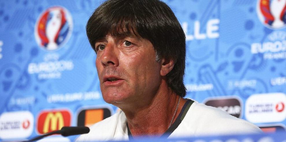 Joachim Löw seguirá al frente de Alemania