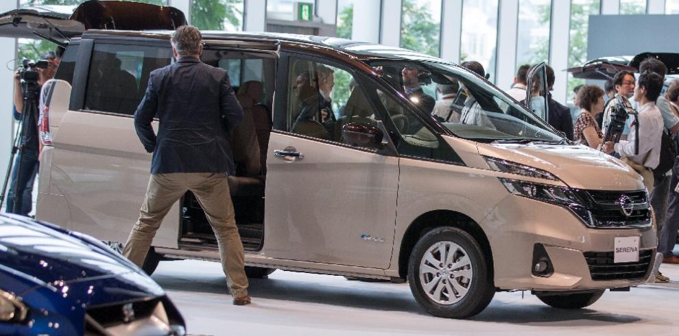 Nissan lanzará en agosto su primer auto con piloto automático