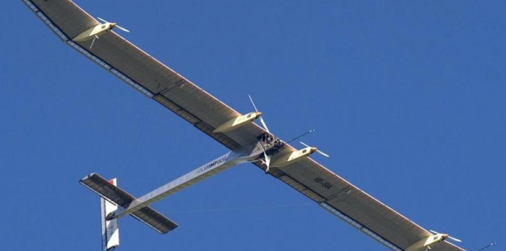 El Solar Impulse retoma la vuelta al mundo con Phoenix