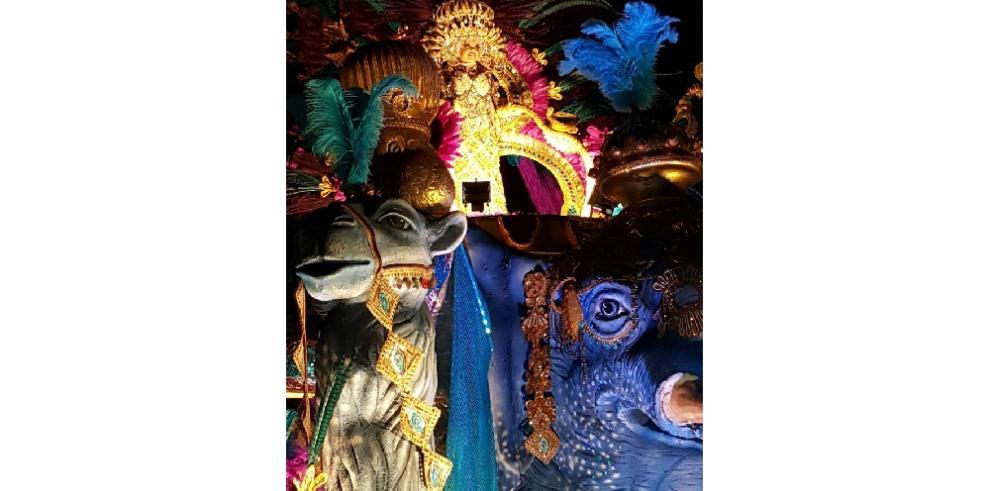 Topón de reinas del carnaval de Las Tablas estremeció el Parque Porras