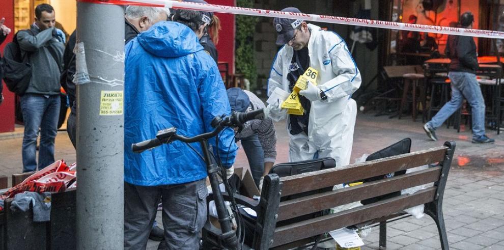 Dos muertos y siete heridos en un tiroteo contra pub de Tel Aviv