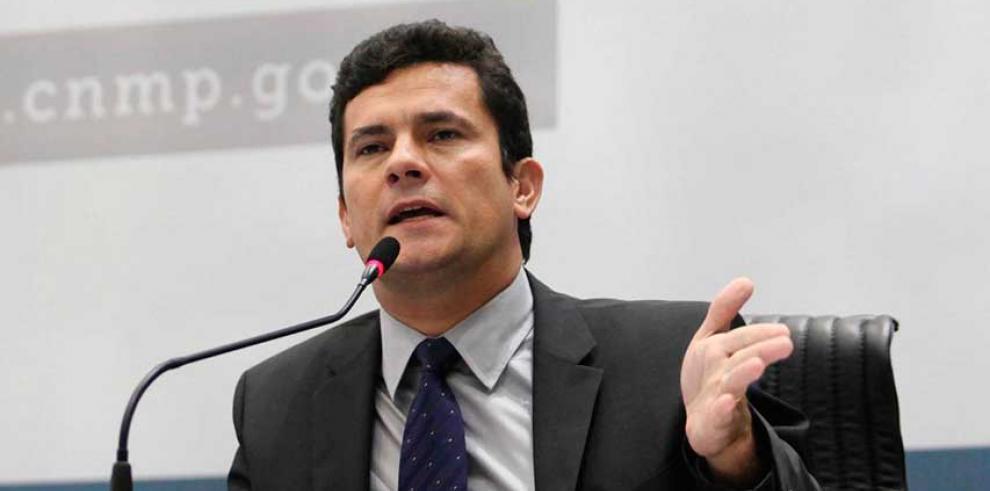Juez del caso Petrobras dice que Brasil está en una encrucijada
