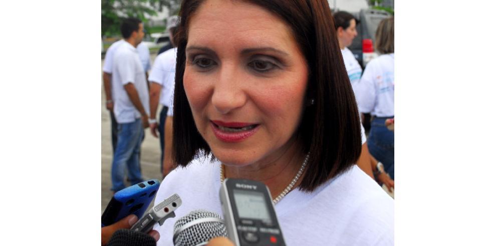 Marta defiende a Martinelli y dice que Varela no ha realizado obras