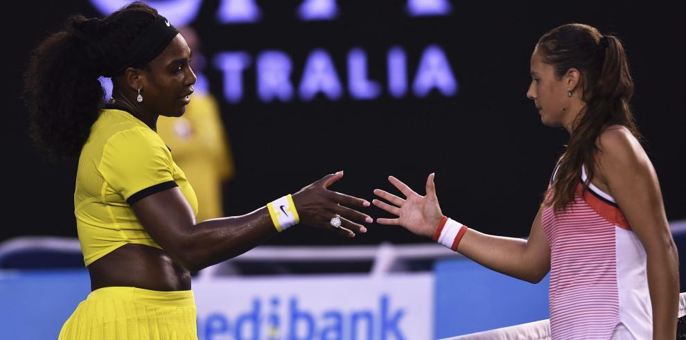 Serena Williams gana por un doble 6-1 a Kasatkina